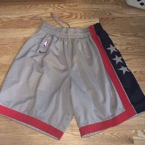 Nike Throwback back shorts size L